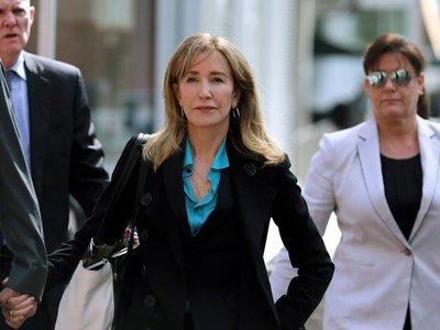Felicity Huffman va a la cárcel por soborno