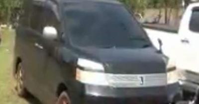 Caen sospechosos con camioneta y  dineral encima