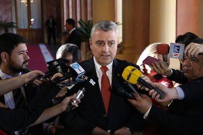 A pesar de su pésimo desempeño, Villamayor se jacta de buena gestión