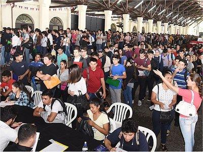 Desempleo afecta al 10,7% de la población joven