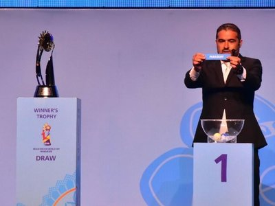 Mundial de fútbol playa definió series
