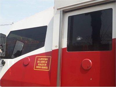 Confirman muerte de guardia tras asalto a transportador de caudales