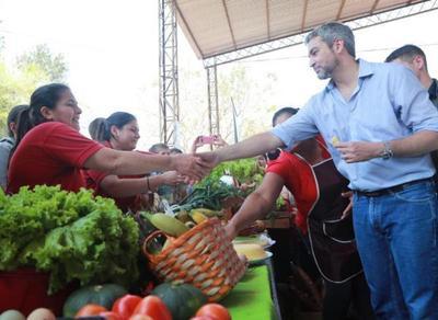 Gobierno de la gente en tu ciudad entregó servicios a unos 2.500 pobladores de Curuguaty