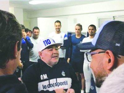 Maradona pidió cambiar el dorsal de Velázquez