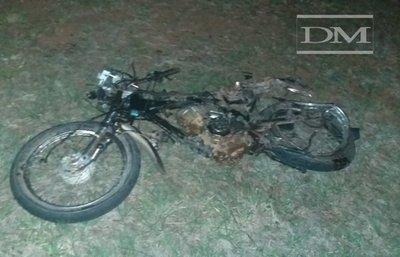 San Ignacio; motociclista fue encontrado sin vida, aparentemente le chocaron