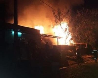 Niño muere tras incendio de su vivienda