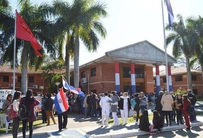 HOY / Paro en la UNA: manifestaciones y cierre de calles hasta que Hacienda resaponda