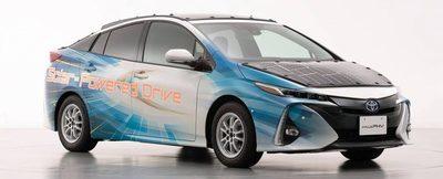 Toyota experimenta con su automóvil Prius usando paneles solares