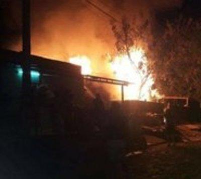 Niño muere en incendio de vivienda