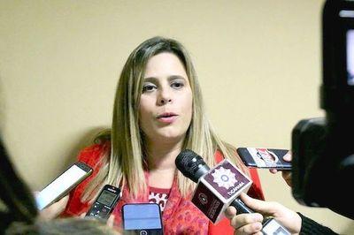 "Kattya González: ""Que FF.AA. intervengan en seguridad interna es una medida desatinada"""