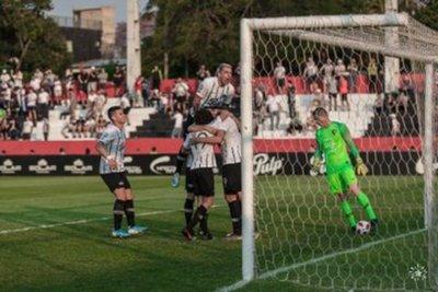 Libertad derrotó a Cerro Porteño y sigue como escolta en el Clausura