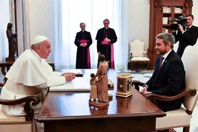 Mario Abdo Benítez suspende su viaje al Vaticano