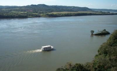 Marinos encuentran cadáver en el Río Paraná