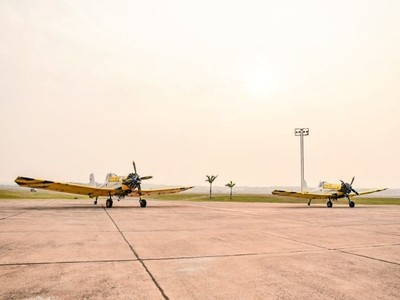 Dos aviones hidrantes se suman a los trabajos contra incendios forestales