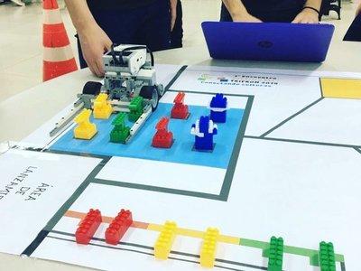 Destaca creatividad en inédito encuentro de robótica FLL