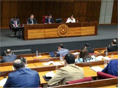 Legisladores piden reducir  evasión y  exenciones ante bajos ingresos