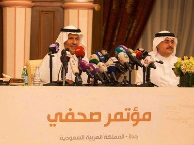 Arabia Saudí anuncia recuperación de producción y el crudo retrocede