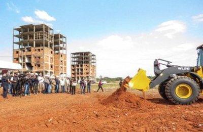 Gobierno inicia construcción en complejo habitacional de Mariano Roque Alonso