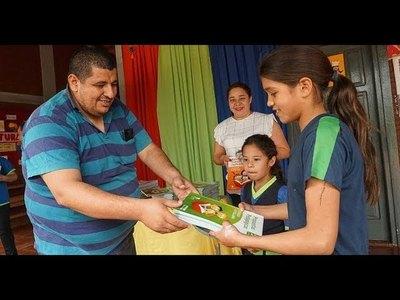 ENTREGAN MATERIALES BIBLIOGRÁFICOS EN ESCUELAS DE ENCARNACIÓN