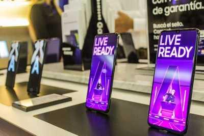 Apertura oficial de la nueva tienda de Samsung