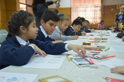 Alumnos validan calidad de útiles que utilizarán el próximo año
