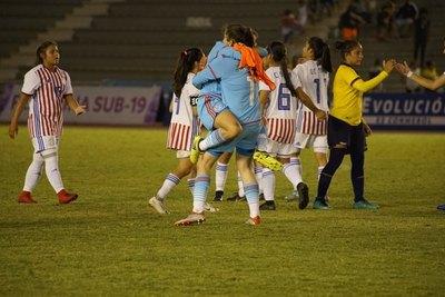 La Albirroja debutó con un gran triunfo ante Ecuador