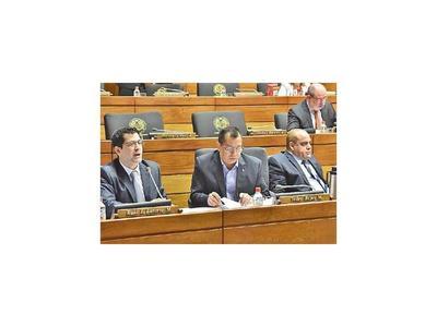 Latorre plantea que militares pasen a depender de la Policía según la ocasión