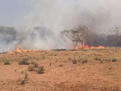 Nueva jornada de trabajo para combatientes en zonas de incendio