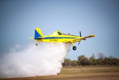 Ejecutivo acompaña de cerca los trabajos de combate a incendios forestales y no descarta solicitar más aviones hidrantes
