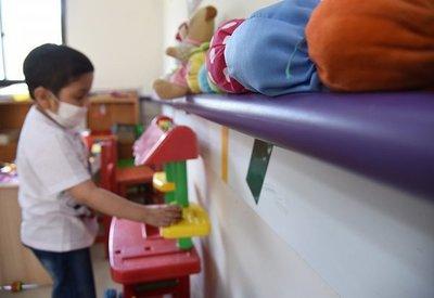 Camiones de Telemedicina llegan con dificultad a San Juan del Ñeembucú