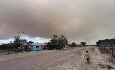HOY / Fuego arrasa 240.000 Has, sopla norte y empeora y Abdo duda si declara emergencia