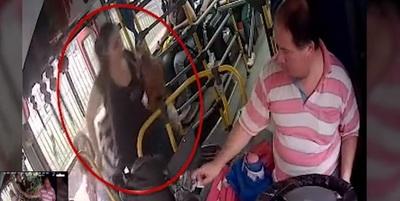 Conflicto por cobertura de sepelio de joven que cayó de bus