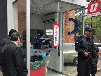 Policía está tras la pista de otros 4 supuestos hackers de cajeros