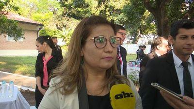 Jueza evita responder sobre libertad a reclusa condenada por abuso