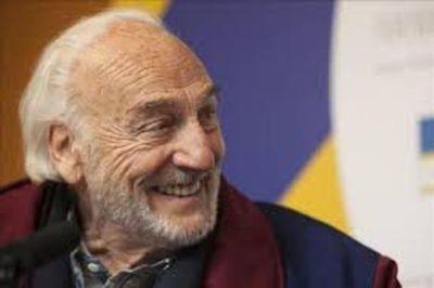 Héctor Alterio cumple 90 años incombustible