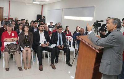 Dictan taller sobre Límites Constitucionales en Caaguazú