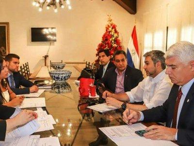 Abdo  planea construir un  salón de G. 3.750 millones en plena  crisis