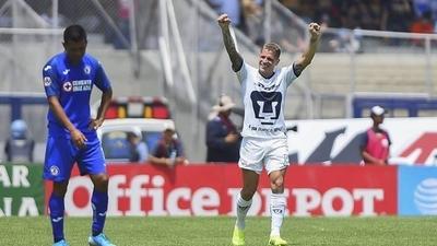 HOY / Iturbe salva a Pumas de perder ante Cruz Azul con un golazo