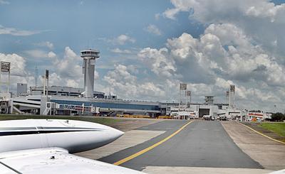 Movimiento de pasajeros aéreos creció 2%