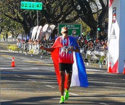 Derlys Ayala gana medalla de oro en Maratón de Baires y clasifica a Juegos Olímpicos de Tokio