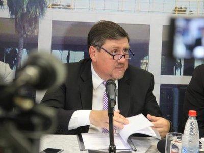 Blas Llano lamenta que no se avance en reforma constitucional