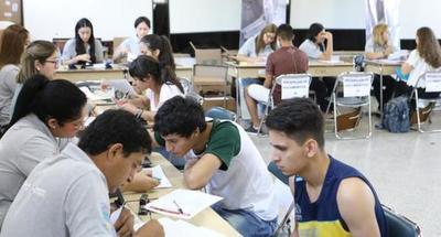 5.490 jóvenes que confirmaron su postulación  esperan acceder a una de las 2.000 Becas ITAIPU
