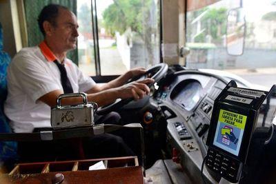 Tarjetas para buses comenzarán a funcionar en un mes y aún no hay campaña de educación para el usuario