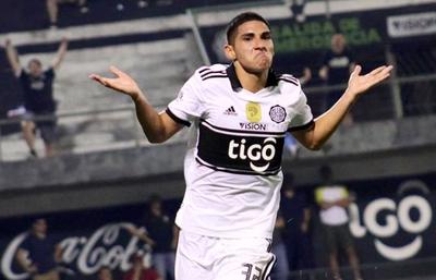 Olimpia asegura a Erik López hasta el 2023