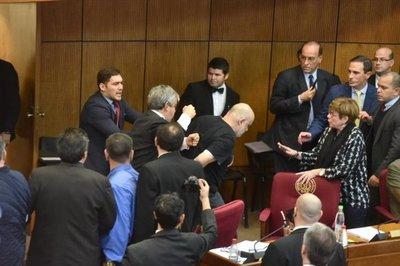 Payo Cubas y Enrique Riera se reincorporan al Senado tras suspensión