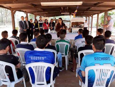 Juzgado Penal Adolescente de Luque  brindó charla sobre Prevención a la adicción a drogas