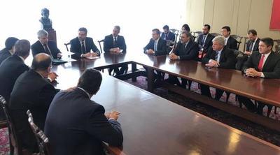 Parlamentarios paraguayos solicitan al canciller brasileño aprobar el FOCEM II