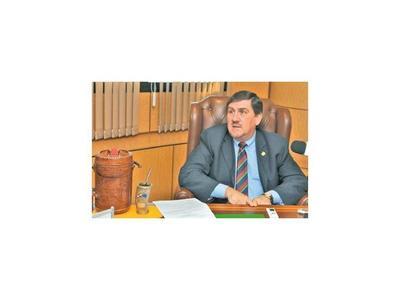 Llano pide voluntad política para  frenar el despilfarro