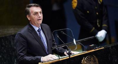 Bolsonaro señala que es una falacia decir que la Amazonía es patrimonio de la humanidad
