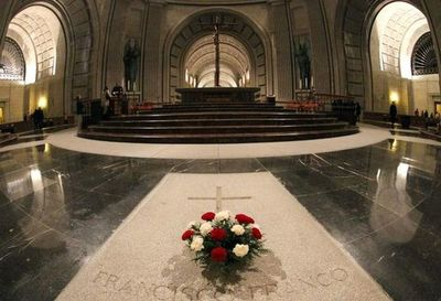 Tribunal Supremo de España autoriza la exhumación del dictador Franco